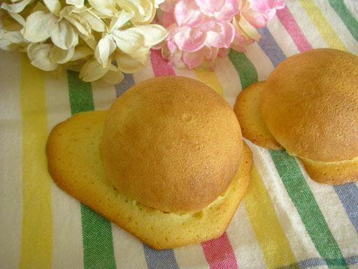 ヴォルガ(5個) 生地にはくるみが入って、ラム酒の香りがたまらない甘いパンです ★
