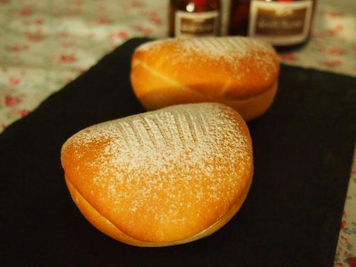 ソフトバターパン(柔らかさに驚いてください、バターがジュワーと底がカリッとしたパンになります)