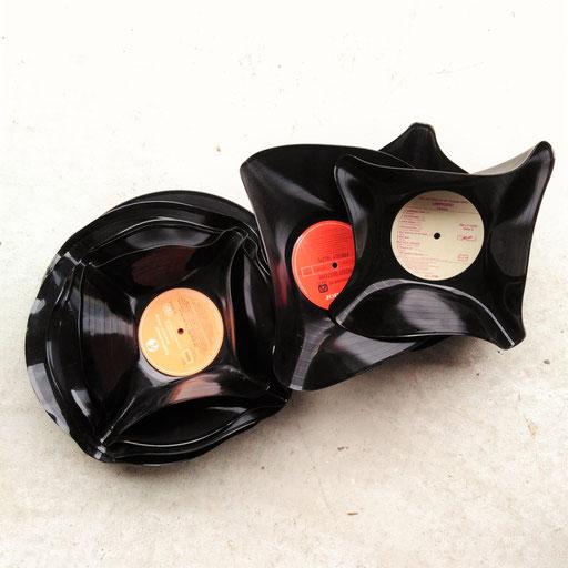 13. DJ PARTY - Aperoschüsseln aus Vinyl.