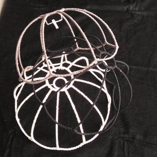1.  Stilvolle Lampenschirme zum nutzen, weiter bearbeiten oder dekorieren.