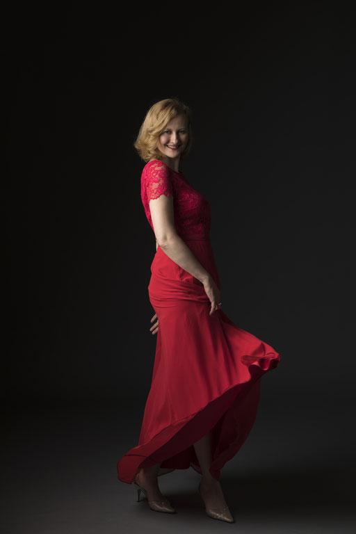 Hermine Haselböck, mezzo-soprano 2018 (by Kurt Pinter) - Portrait 7