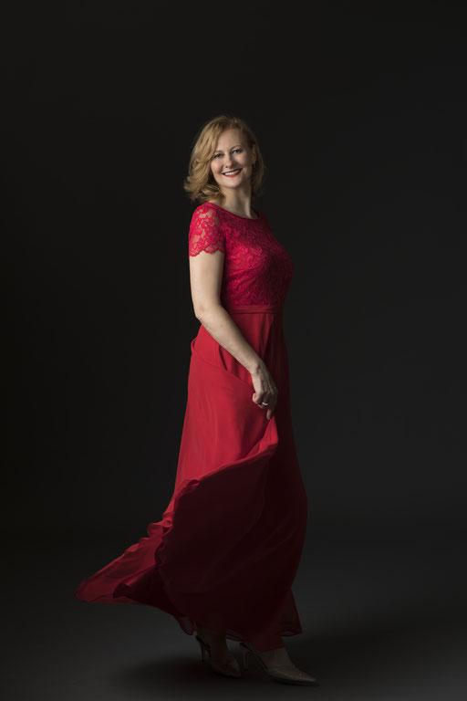 Hermine Haselböck, mezzo-soprano 2018 (by Kurt Pinter) - Portrait 8