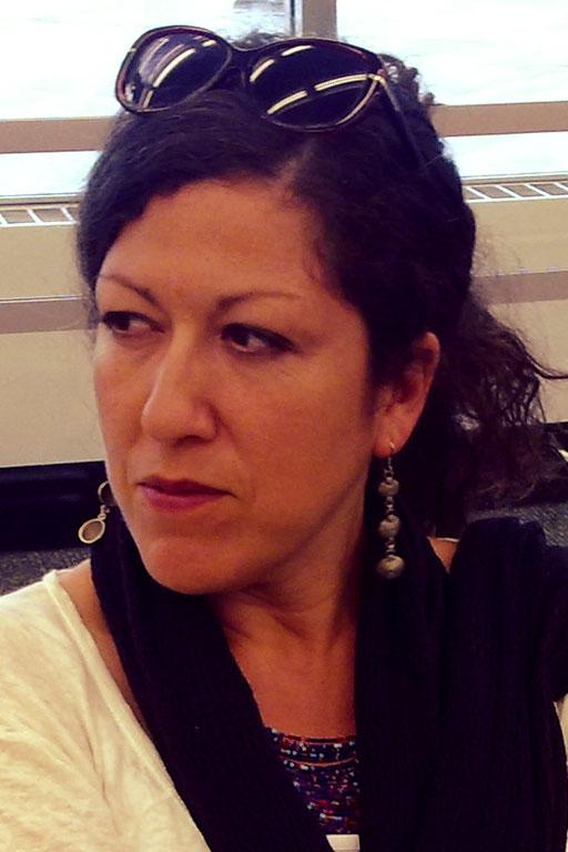 HABIDA DJAHNINE// réalisatrice