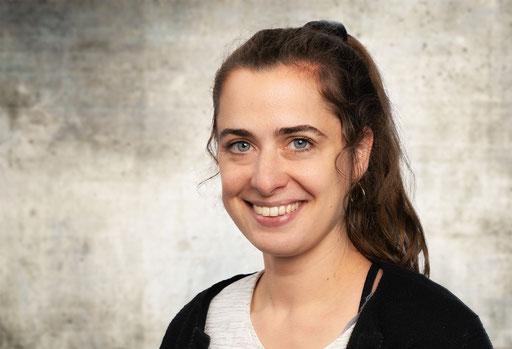 Patricia Brunner als Almira Gulch und als Chefin der Munschkins