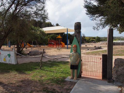 Spielplatz kunterbunt.