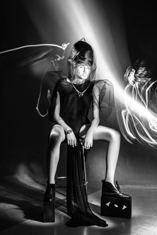 """kinetic"" for veine magazin - photography: andreas waldschuetz - styling: adia trischler - hair: patrick glatthaar - makeup: anie lamm-siu - model: nastassja yatchuk @wienermodels"