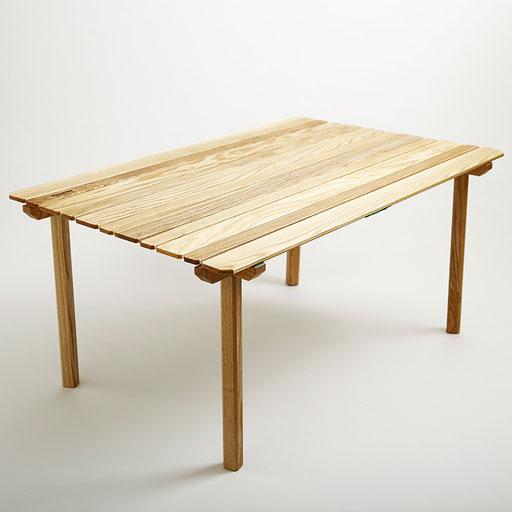 タモのテーブルです。