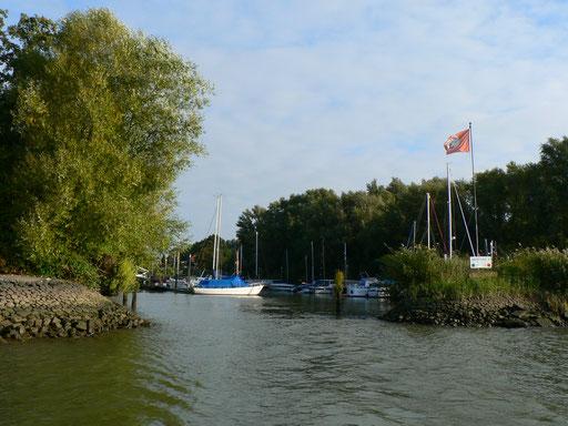 Hafen Ein- und Ausfahrt