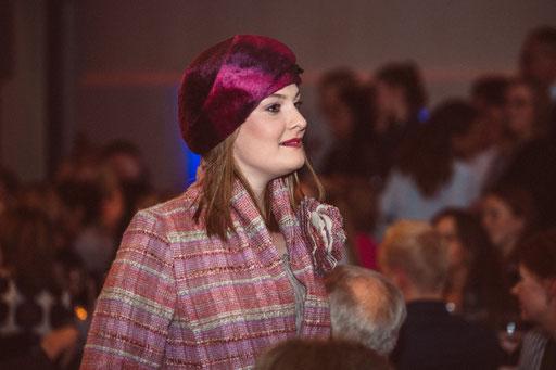 Hut Couture Anja Kaninck / Rotary Club · fashionshow / Baskenkappe · Barett · Turban · 30er · Melousine · Abendmode  / Hamburg
