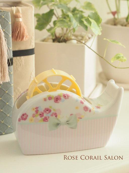 ポーセラーツ生徒様作品:花柄可愛いテープカッター