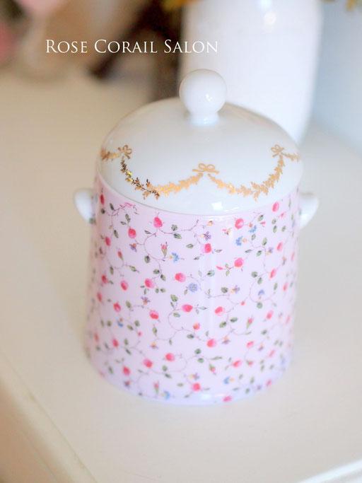 ポーセラーツ生徒様作品:小花柄でサニタリーボックス