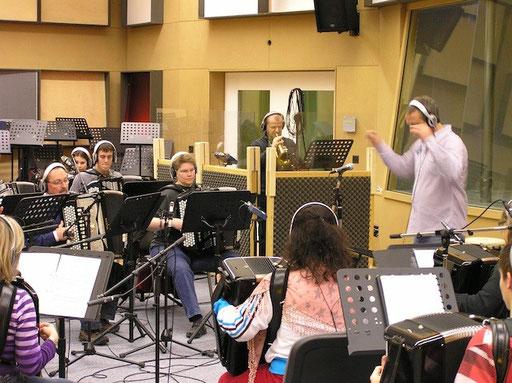 Akkordeon Orchester Bezirk Affoltern unter der Leitung von Ruedi Marty mit Solist Heinz della Torre