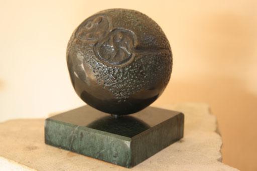 L'oeuf, bronze et serpentine, 8cm, disponible Belgique, Québec