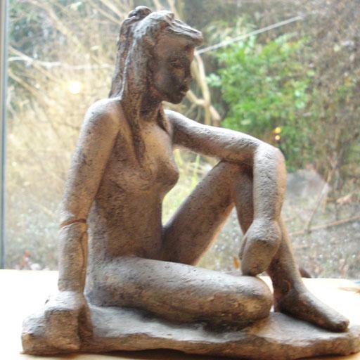 Elle Attend, en bronze sur commande, 17 cm, Belgique