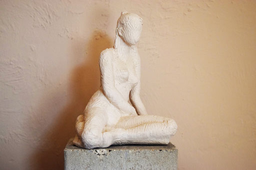 Déhanchée, en bronze sur commande, 25 cm, Belgique