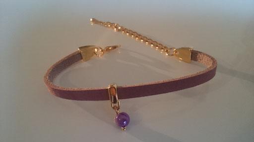5 mm Nubukleder Caschmere rose mit Perlen Anhänger in Gold, Karabinerverschluss (wenn gewünscht mit Verlängerungskettchen) 10 Euro