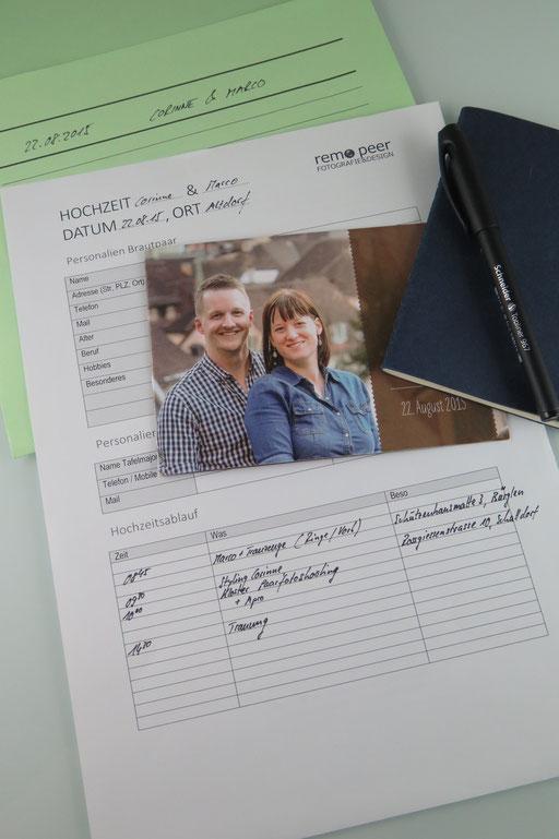 Schreibzeug und Notizen aus den Absprachen mit dem Brautpaar