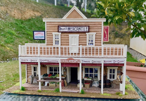 """Le magasin de Loren, """"Bray's Mercantile"""". face 1"""