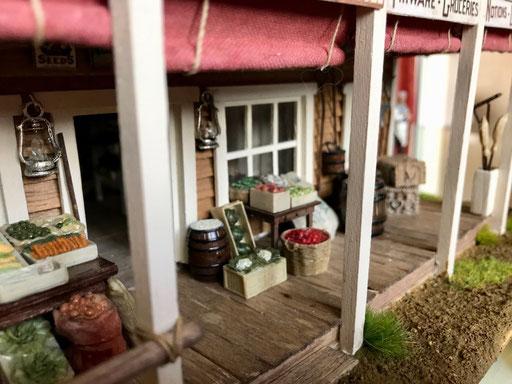 """Le magasin de Loren, """"Bray's Mercantile"""". Marchandises à vendre"""