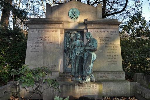 Ostfriedhof Dortmund, Grabmal Jucho