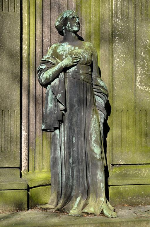 Ostfriedhof Dortmund, Grabmal Wilhelm Brügmann (1788-1854) von 1832-1847 war er Bürgermeister der   Stadt Dortmund.