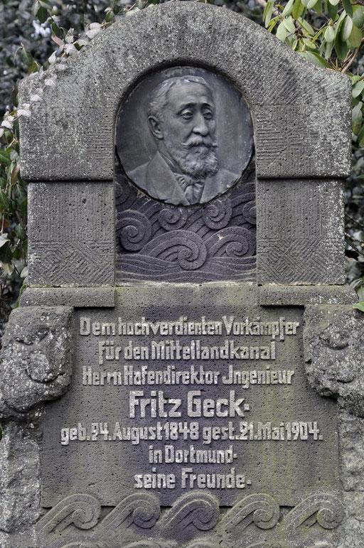 Ostfriedhof Dortmund, Grabmal Fritz Geck