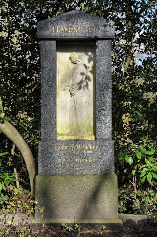 Ostfriedhof Dortmund, Grabmal Familie Heinrich Wencker, erbaute 1871 die industriell produzierende Kronenbrauerei an der Märkischestr.