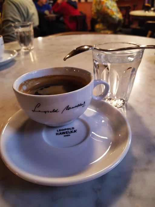 in einem legendären café ...