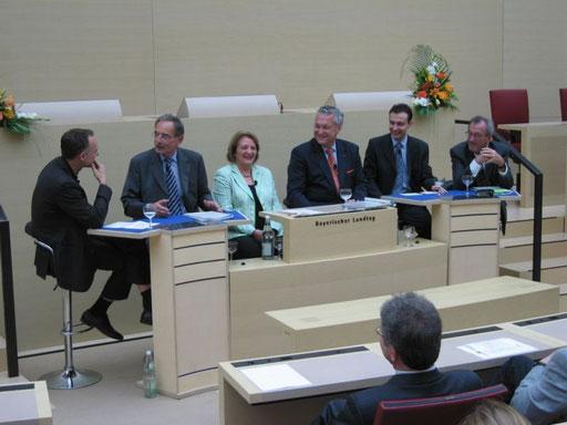 Von links nach rechts: Süß, Garstka, Leutheusser-Schnarrenberger, Hermann, Kremer, Geiger