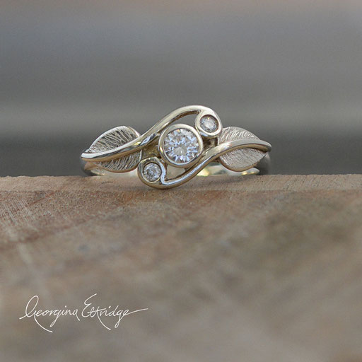 Twirling Leaves Trilogy Ring Diamonds