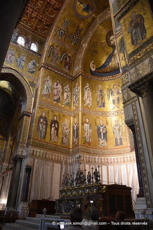 [NU906-2019-1706] Santa Maria Nuova (Monreale) : Sous le Christ-Pantokrator, sur la gauche de la Vierge à l'Enfant, archange et apôtres puis dans le registre inférieur, saints et saintes (abside centrale)