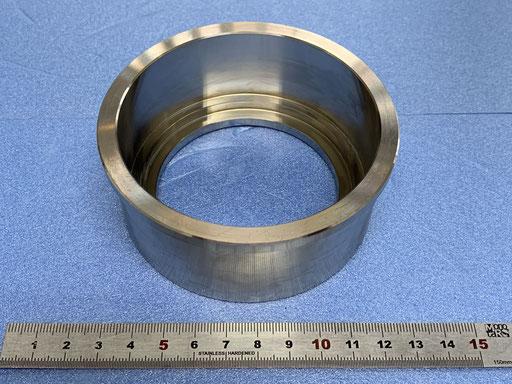 インコネル 丸物です。 内外径共に真円度0.02以下で製作してあります。