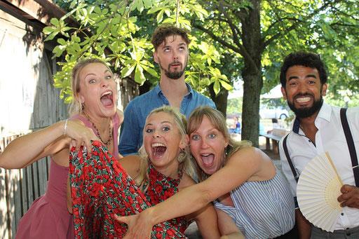 Freunde bei Hochzeit in Fürth mit Fotobox