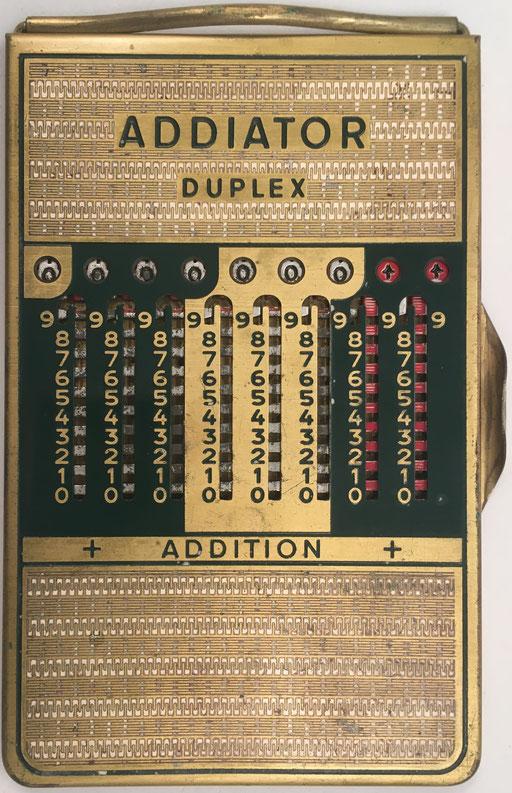 """Ábaco de ranuras ADDIATOR DUPLEX, no """"Bundeswehr"""" para el ejército alemán aunque idéntico, s/n A-729385, anverso addition, año 1950, 8.5x12.5 cm"""