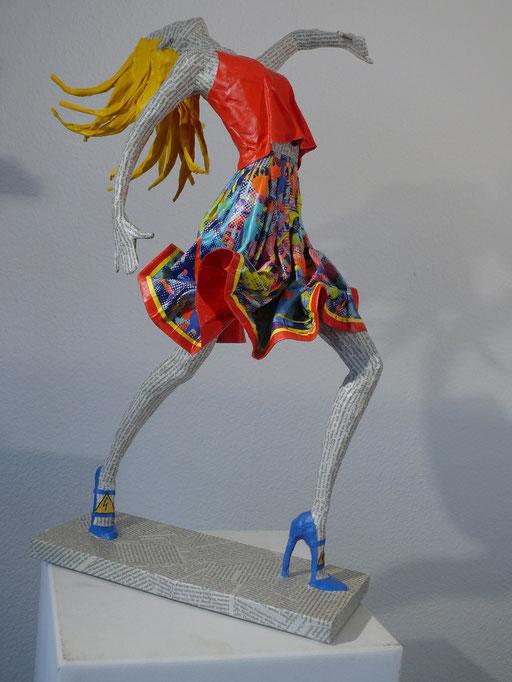 Elena Lichtsteiner, Skulpturen: Modern Dance II (2016, ca. 75 cm)