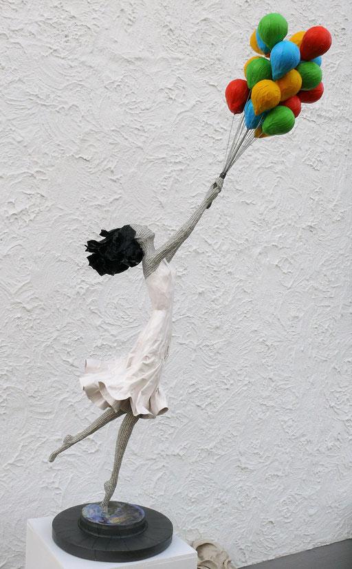 Elena Lichtsteiner: Abheben (2018, ca. 150 cm)