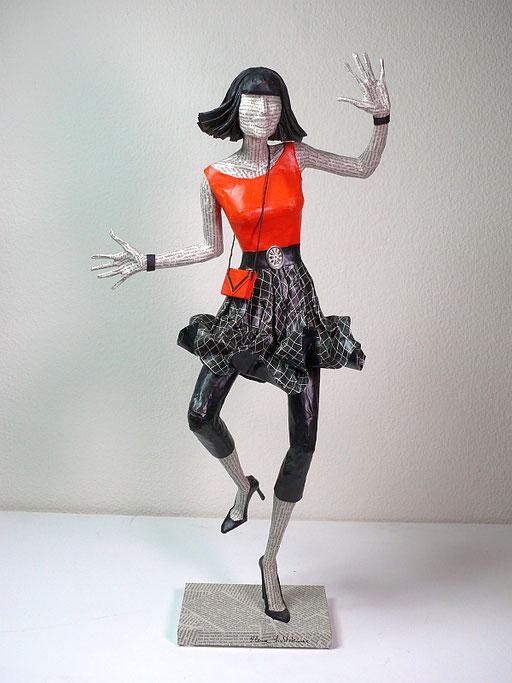 Elena Lichtsteiner: Spinnentanz (2019; ca. 70 cm)