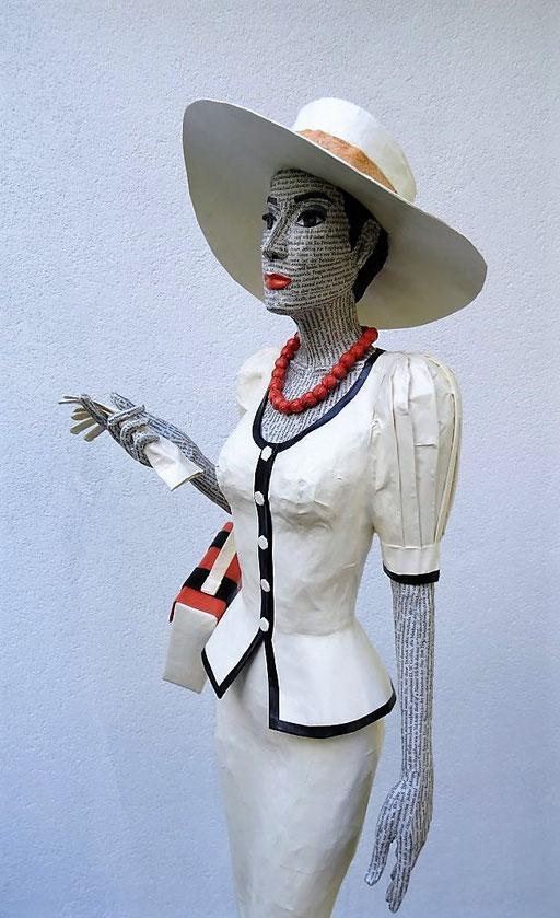 Elena Lichtsteiner: Dame mit Hut (2018, ca. 120 cm); Detail