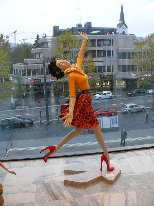 Elena Lichtsteiner, Skulpturen: I can fly (2014, 200 cm)