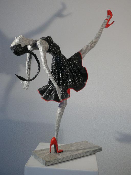 Elena Lichtsteiner, Skulpturen: Tänzerin mit Zopf (2016, 80 cm)
