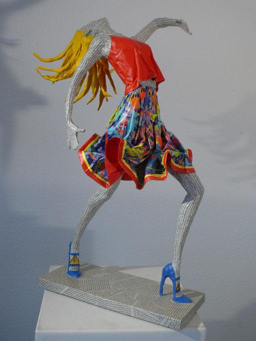 Elena Lichtsteiner, Skulpturen: Modern Dance II (2016, 80 cm)