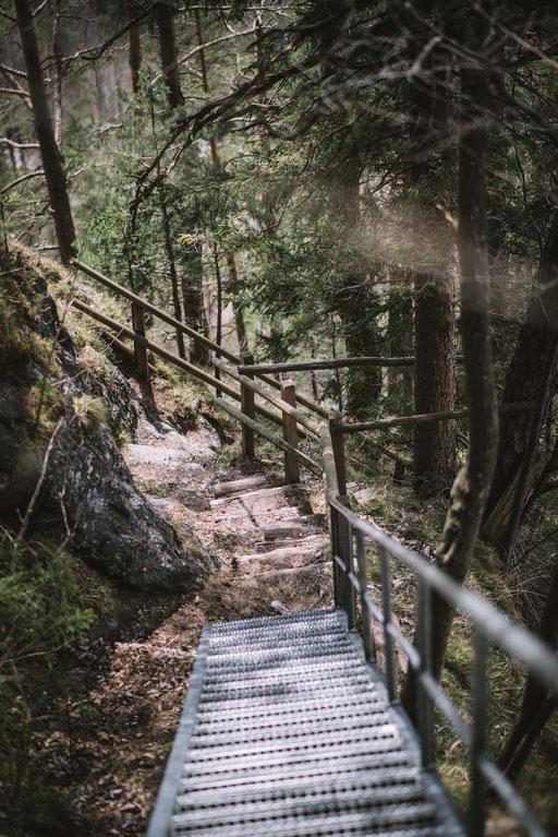 Wanderung über die Steinerne Stiege zum Hintersteiner See - inkl. Rundwanderung um den Bergsee, Einkehren und Baden am See inmitten der Bergkulisse Wilder Kaiser #mountainhideaways