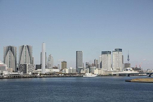 勝どきツインタワー(左) 晴海トリトン(右)