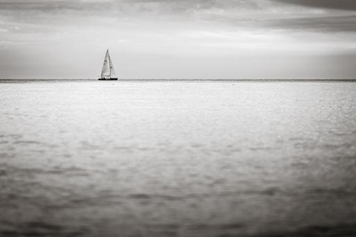 Segelboot vor Warnemünde