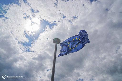 Auf dem Eckartsberg wird die Flagge der europäischen Union