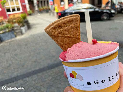 Ein leckeres Eis bei eGeLoSIa