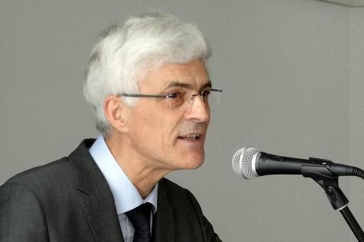 """Seminarleiter Dr. Johann Sjuts: """"Trauen wir uns zu, besser werden zu wollen."""" Foto: Ulrichs"""