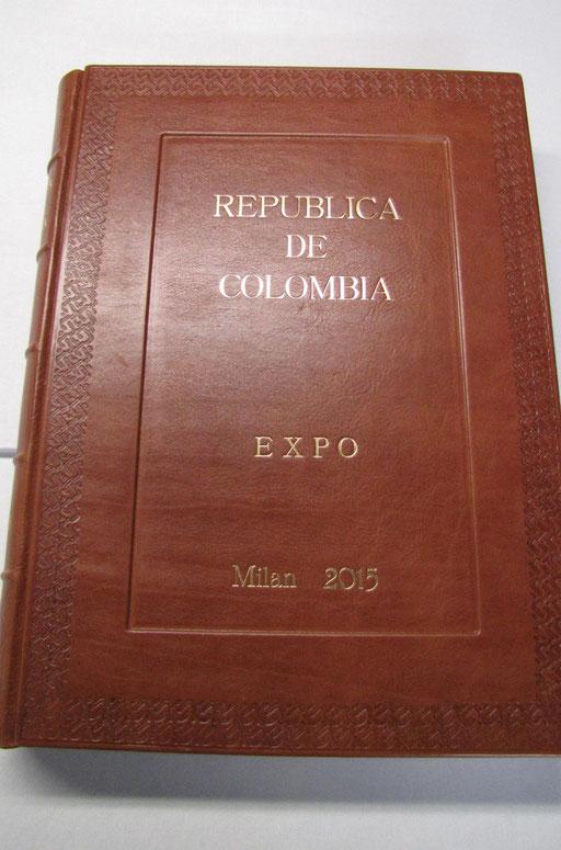 Libro firma presente ad Expo 2015 al padiglione della Repubblica della Colombia