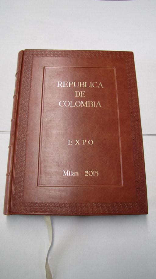 Libro firma per la Repubblica della Colombia presente all'Expo 2015
