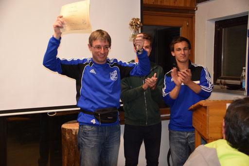 Emotional berührt zeigte sich die Legende vor dem Publikum. Vorjahressieger Max Breitwieser durfte den Preis übergeben. Stefan Strauß und Torsten Keitel waren mit ihren Stimmen deutlich unterlegen.